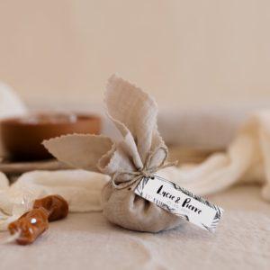 aumonière de caramels bali sable cadeau invité mariage
