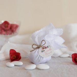 aumônière de dragées blanc étiquette ronde bloom cadeau personnalisé mariage