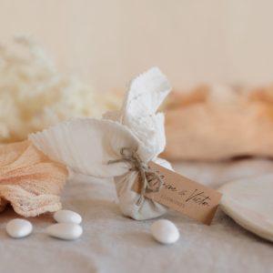 aumônière de dragées latte étiquette rectangle boheme cadeau personnalisé mariage