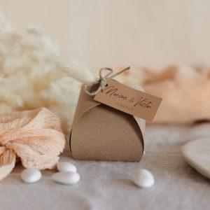 boite de dragées kraft étiquette rectangle boheme cadeau personnalisé mariage