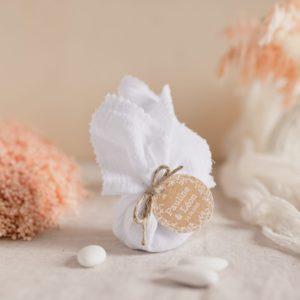 aumônière de dragées blanc étiquette ronde champêtre cadeau personnalisé mariage