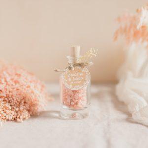 fleur de sel rose de l'himalaya étiquette ronde champêtre cadeau personnalisé mariage