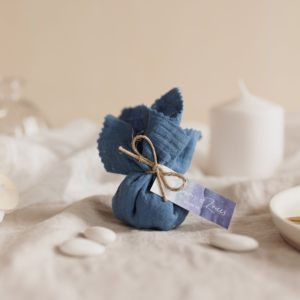 aumônière de dragées bleumoule étiquette rectangle deepblue cadeau personnalisé mariage