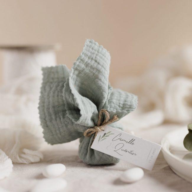 aumônière de dragées amandier étiquette rectangle garrigues cadeau personnalisé mariage
