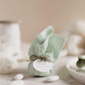 aumônière de dragées vertdeau étiquette ronde garrigues cadeau personnalisé mariage