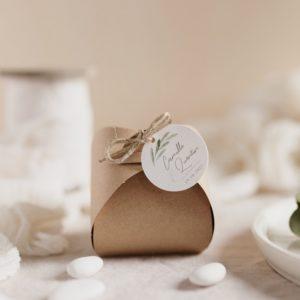boite dragées kraft étiquette ronde garrigues cadeau personnalisé mariage