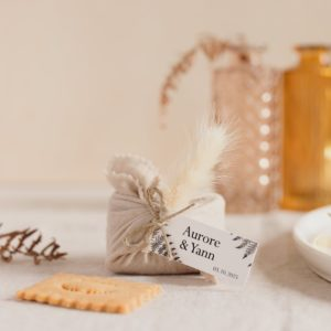 biscuits personnalisés en furoshiki latte providencia nature cadeau invité mariage