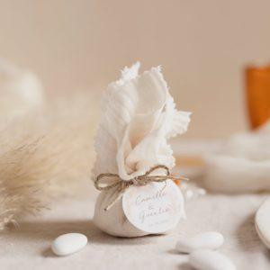 aumonières dragées pampa latte cadeau invité mariage
