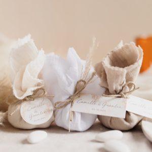 trio aumonières dragées pampa cadeau invité mariage