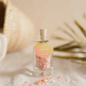 flacon de sel rose himalaya étiquette ronde sunset cadeau personnalisé mariage
