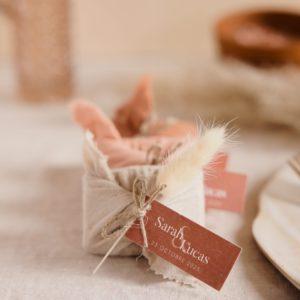 biscuits personnalisés en furoshiki providencia collection terracotta cadeau invité mariage